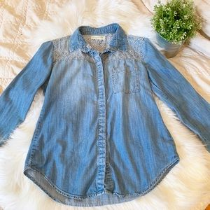 Urban Outfitters Embroidered Chambray Top | Size S